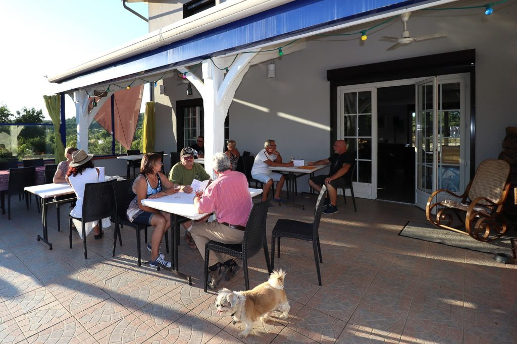 restaurant terrasse animaux acceptés Tarn Garonne